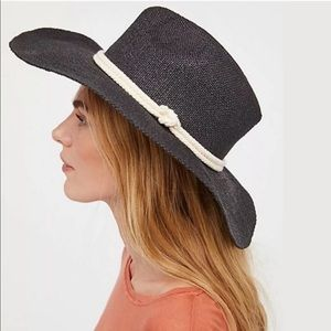 NEW FREE PEOPLE SUMMER BREEZE STRAW HAT BLACK